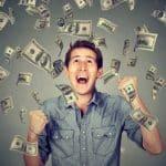 radio caz casino homme heureux avec argent